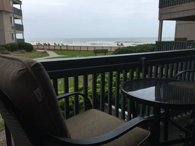 Beautiful area and ground floor location with prime ocean view. New chairs too!