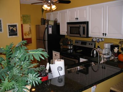 Harbor Island condo rental - Granite counter tops and all new kitchen appliances