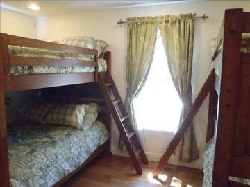 2nd Bunk Bedroom - 4 total full beds (2 bunks)