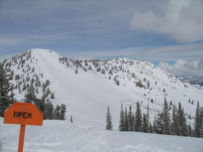 15 minutes from Utah's best powder skiing and boarding
