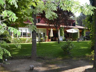 Villa in luxury community with tennis and pool in beautiful forest near Madrid