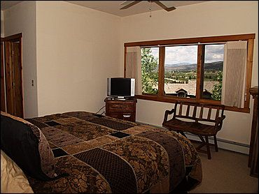 Master Bedroom - King, Flat TV, Jacuzzi Tub,Private Balcony, Views