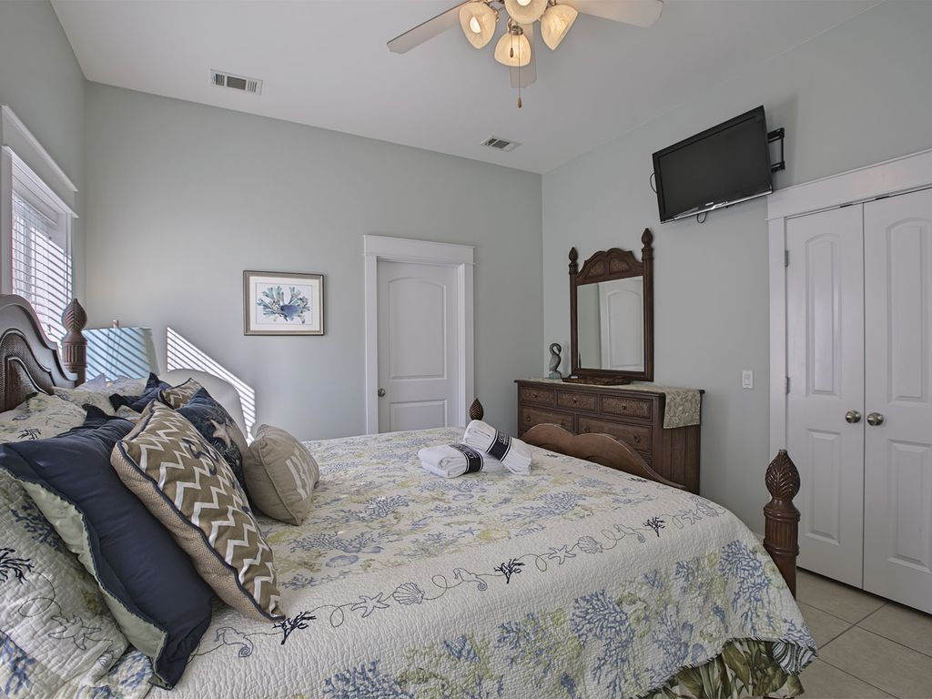 Seconds Bedroom Furniture Open Gulf Oasis Newly Renovated Private Pool Game Room Seconds