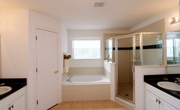 master king bathroom suite