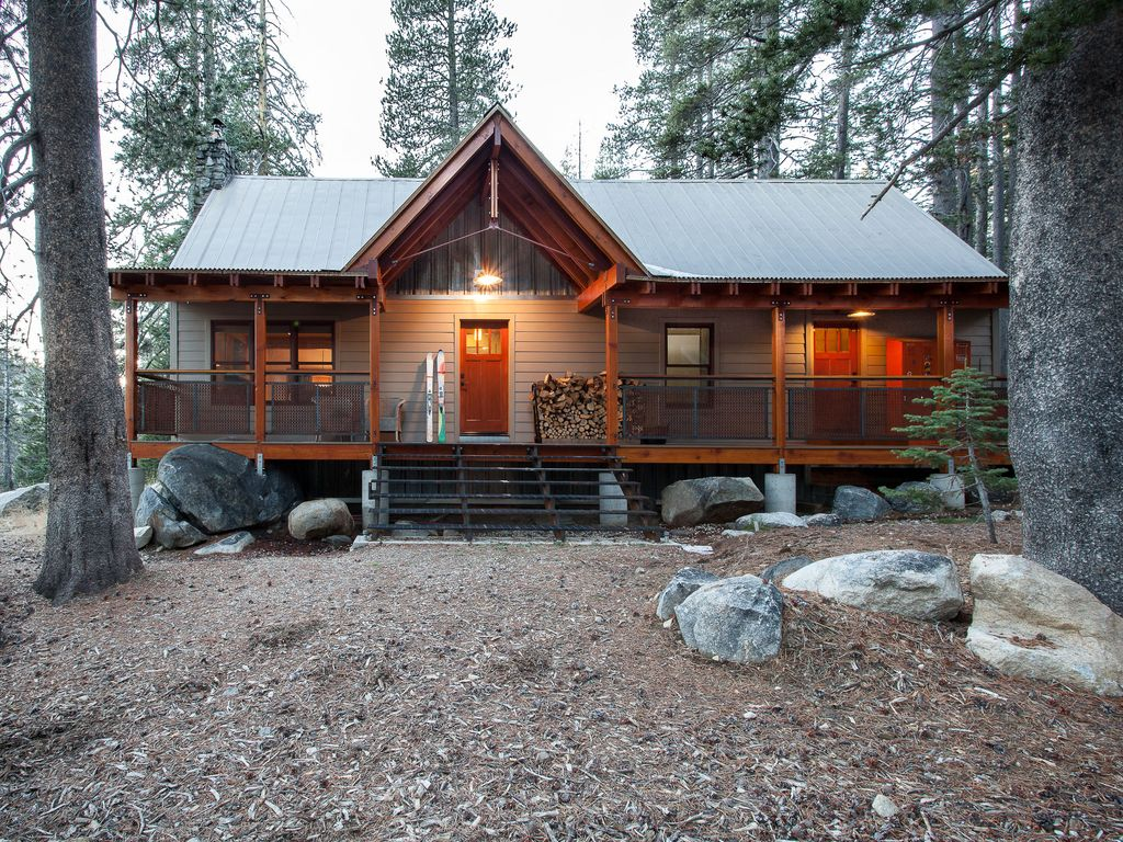 Crafted family cabin only available to one vrbo for Ski cottage
