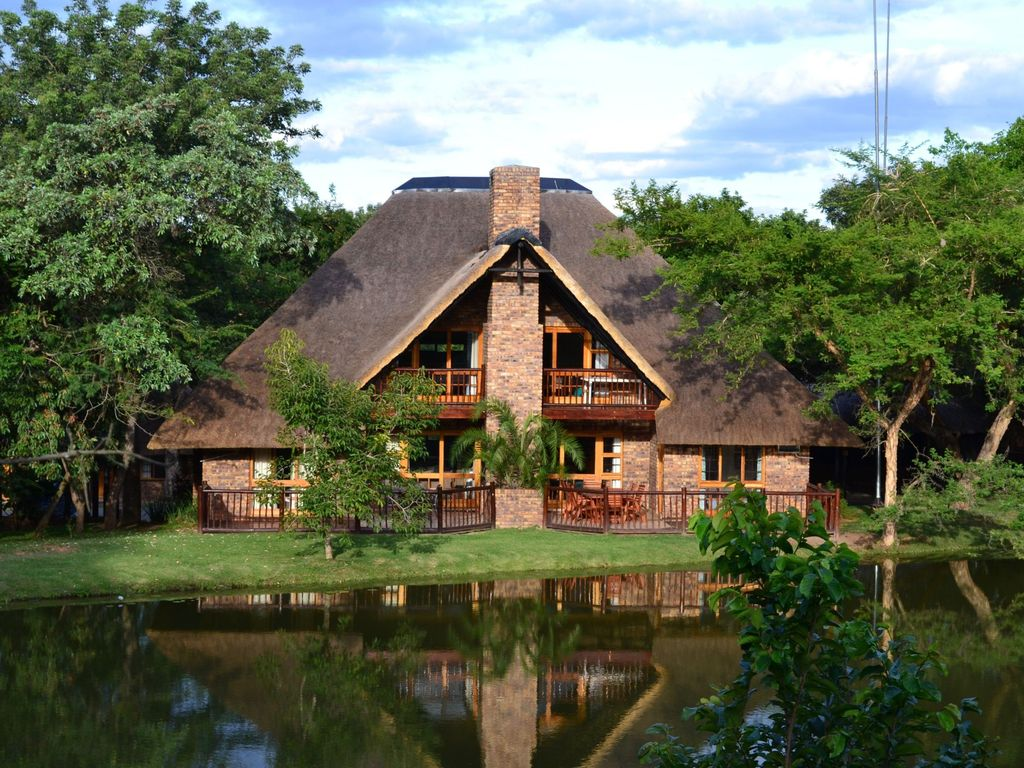 Upmarket accommodation in award winning golf resort near the Kruger Park