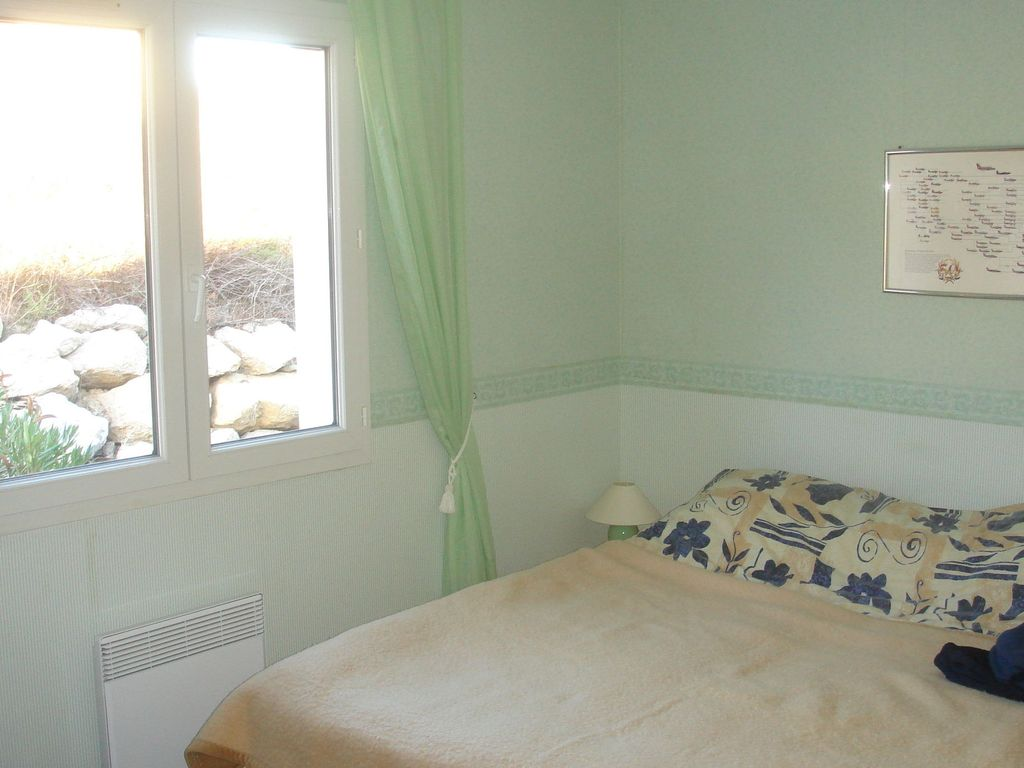 Air-conditioned house, close to the beach