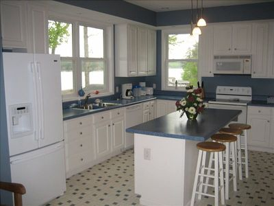 Kitchen with Island Seating