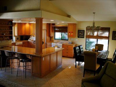 Remodeled Kitchen w/ Granite Counters, Breakfast Bar & Dining Area