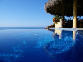 Sayulita house rental - Infinity pool...and beyond!