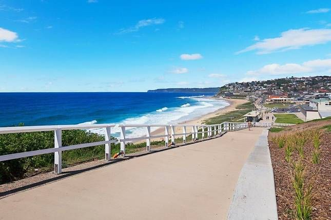 Ella's @ Merewether on the Beach