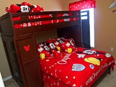 Mickey Mouse Bedroom (Sleeps 3)