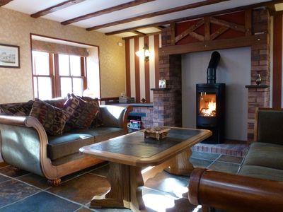 Traditional Fishermans Cottage -furnished to high standard -20 metres from beach