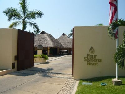 Front Entrance Four Seasons Punta Mita