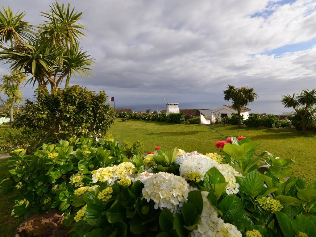 Peaceful house, close to the beach , Ginetes, Azores