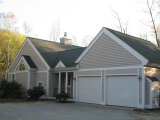 room for multiple car parking - Lincoln house vacation rental photo