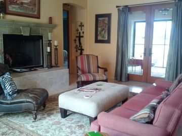 Tubac house rental - Living Room with gas fireplace
