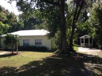 Deland Marigold House,  Beautiful Quiet Setting, with Comfy Bed, Downtown DeLand