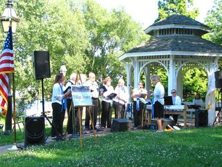Warwick cottage photo - Free summer concerts in the waterfront park just a block or so from the cottage.