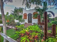 Atlantic Ave Delray Beach 3BR Home+2BR Cottage!