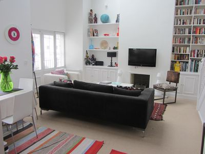 Bright Spacious Loft Style Apartment In South West London