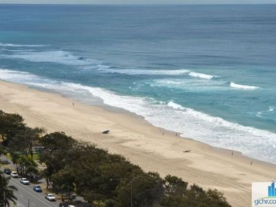 HUGE APARTMENT OPPOSITE BEACH MINUTES FROM CENTRAL SURFERS