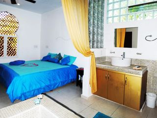 Playa del Carmen condo photo - Master Bedroom with bathtub.