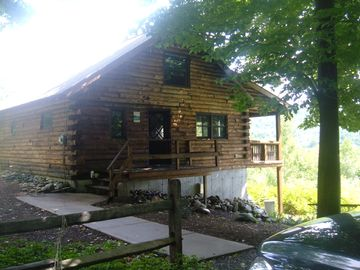 Newfound Lake cabin rental - House from Driveway
