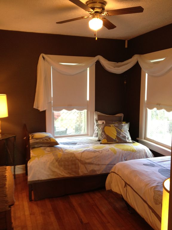 Twin beds main floor with direct bathroom access.Beds can also configure as king