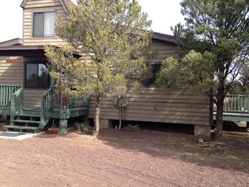 Williams house rental - Beautiful cottage style home with 3 decks surrounded by Juniper and Pinion Pine