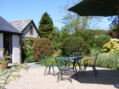 Seeking secluded character rural cottage, private enclosed garden, pet friendly? - Roundhouse Cottage Sleeps 4 (2 Bedrooms)