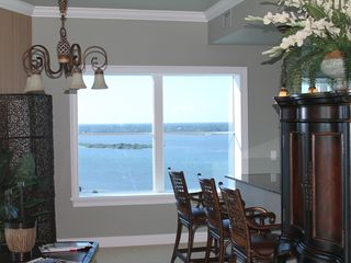 Daytona Beach Shores condo photo - Sitting area adjacent to living room,and kitchen!