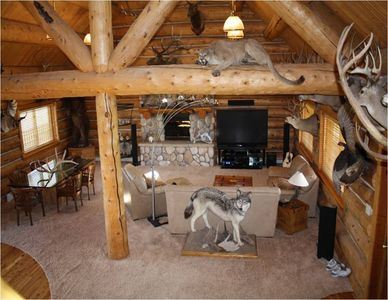 Beautiful Lodge Style Home with Amazing Wildlife Art Work!