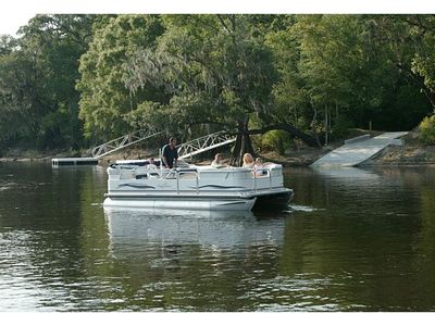 Suwannee Cottages boat ramp