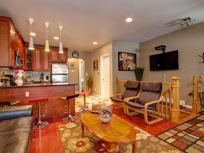 Queens house rental - beautiful awesome living room !!!!!!!!!!