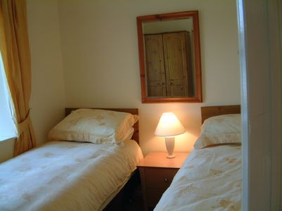 County Down cottage rental - Bedroom 2 with Twin beds