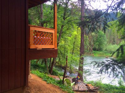 Fantastic river porch overlooks fire pit/BBQ patio & the Trinity River