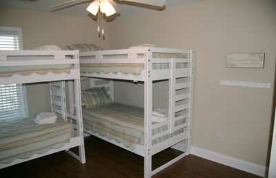 Bunkbed room upstairs! There are 2 rooms with bunkbeds!