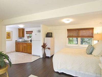 Ohana guest house-separate entrance-quiet and private....