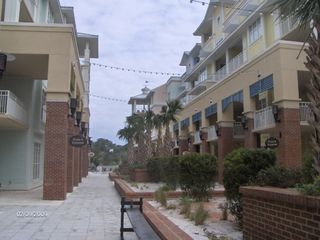 Isle of Palms condo photo - Spa, Restaurants, Shops- Right There!
