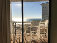 New Listing, Newly Redecorated, Great Gulf Views, Includes Beach Chair Service!