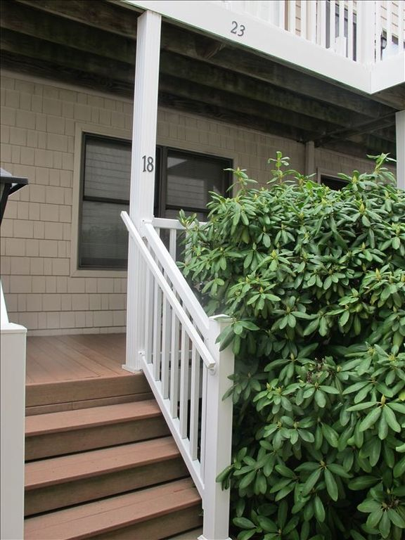 Fenwick Island condo rental - Front Porch and Entrance