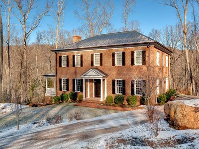 Pet friendly Luxury home overlooks the Old Course at the Homestead
