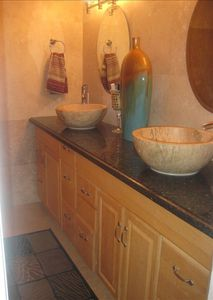 Fort Lauderdale condo rental - LARGE BATHROOM EQUIPED WITH RAINFOREST SHOWER AND JET SPA