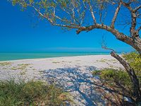 5 BR Family Bay-Front Estate Across Captiva Beaches