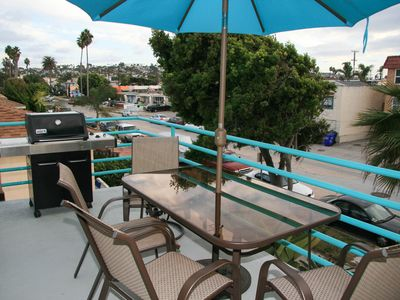 Patio/Deck includes seating for 6 & non-stop ocean views!