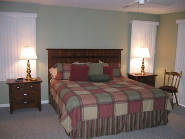 2 master bedrooms with King beds