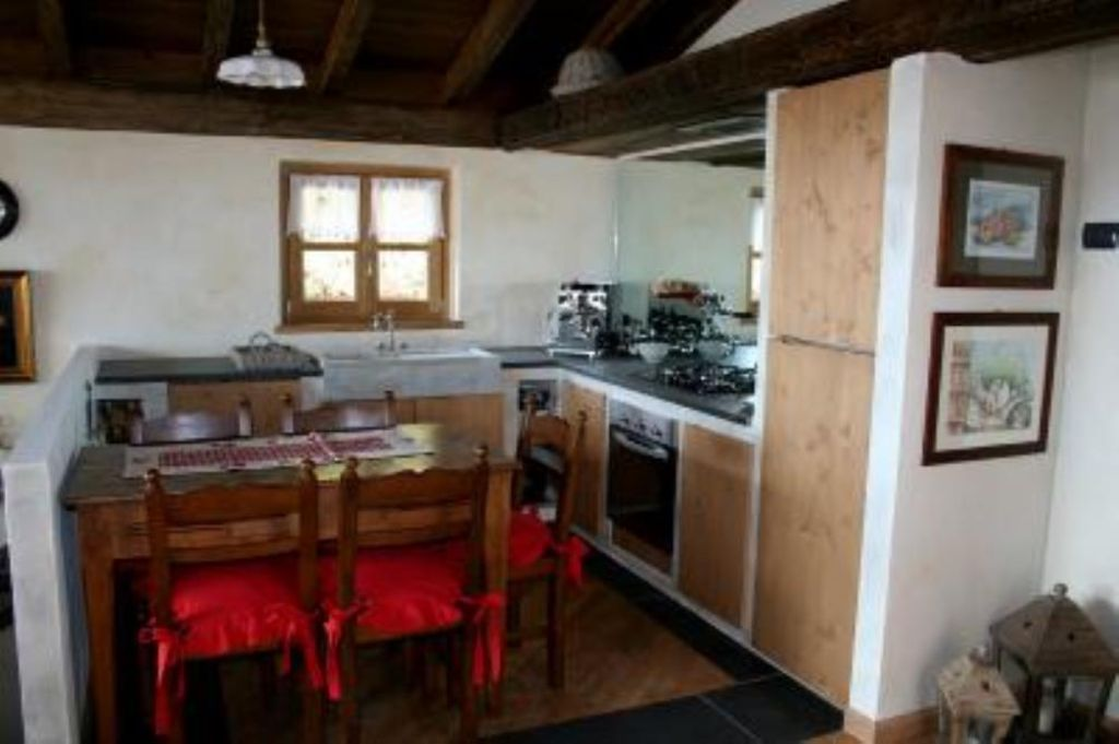 Accommodation near the beach, 105 square meters, , Dongo, Italy