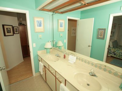 Ponte Vedra Beach house rental - The Upstairs Bathroom has its Own Entrance from the Upstairs Bedroom.