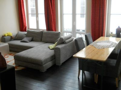 Brussels apartment rental - Livingroom with dining table